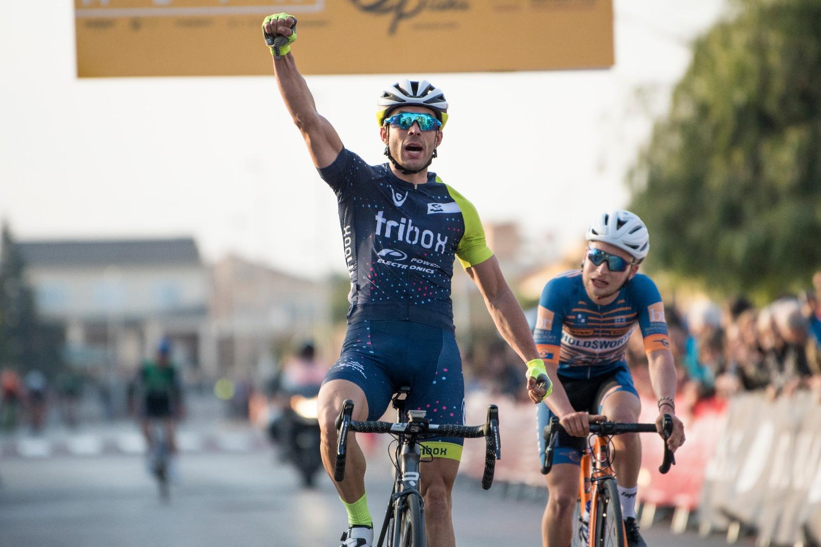 Casañs vuelve al amarillo en un fin de semana donde Serrano y Ara se llevaron el triunfo