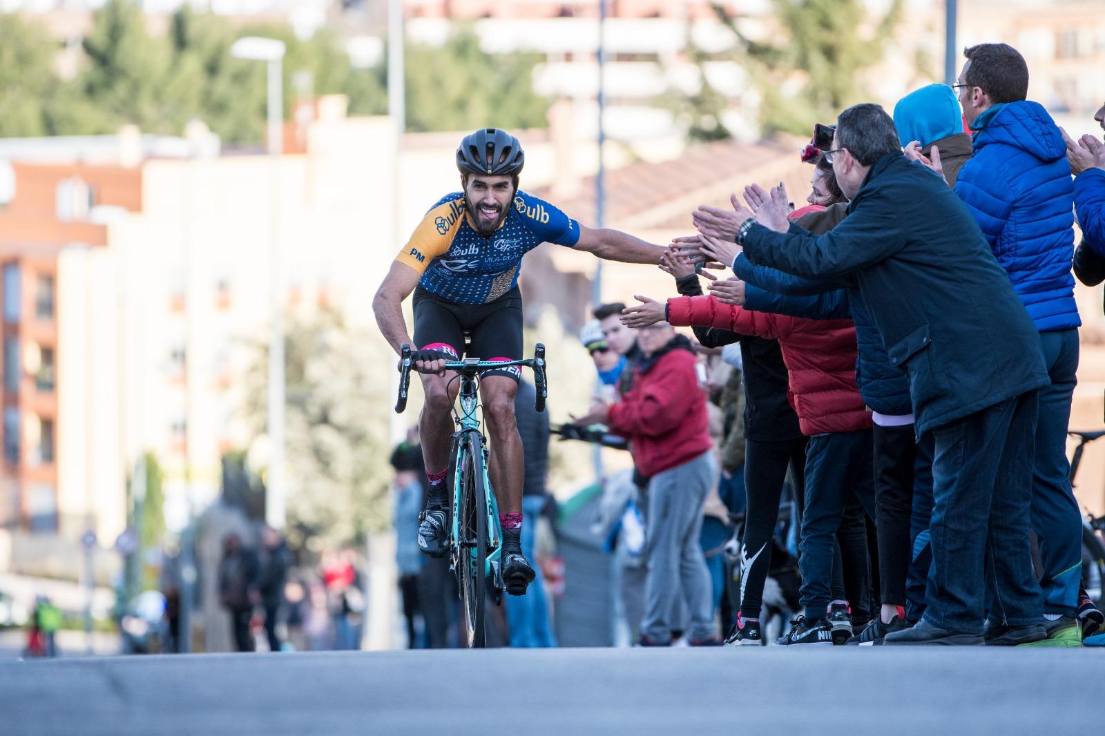 Celestino Fernández sale líder del primer asalto en la montaña de la Challenge de la Plana